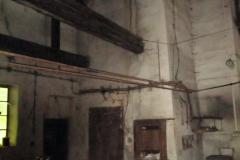 Obnova vnitřních omítek hutní haly - stav před obnovou